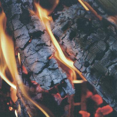 蓄熱型暖炉の野崎商工